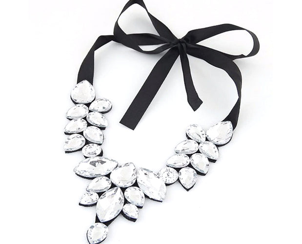 Exceptional Rhinestone Statement Necklace