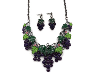 Through the Grapevine Necklace Set