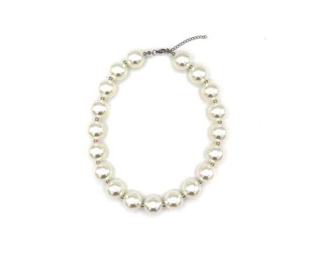 Pulchritudinous Pearl Necklace and Bracelet Set