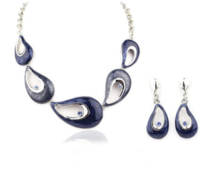 Fantastical Oyster Necklace Set