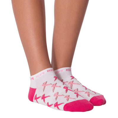 Women's All Over Pink Ribbon Quarter Socks