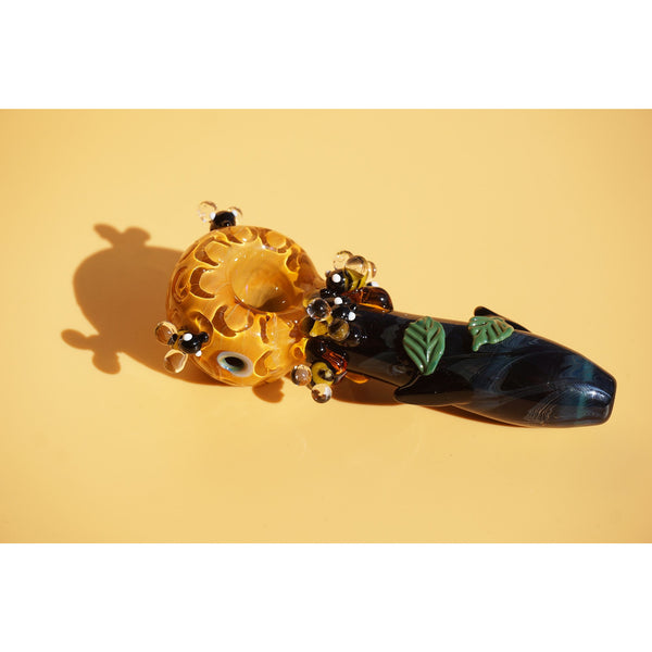Sweet Honey Bee Spoon Pipe - DankGals
