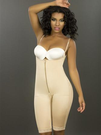 Model wearing our slimming smoothing Vedette 179 Latex underbust bodysuit