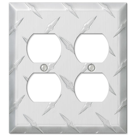 Diamond Plate Aluminum - 2 Duplex Outlet Wallplate - Wallplate Warehouse