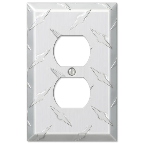 Diamond Plate Aluminum - 1 Duplex Outlet Wallplate - Wallplate Warehouse