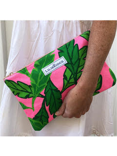The Lilibridge Clutch in Lotta Leaf Pink