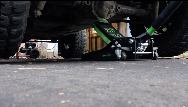 The Bearded Jeeper Reviews the MYCHANIC 3T Low Profile Floor Jack