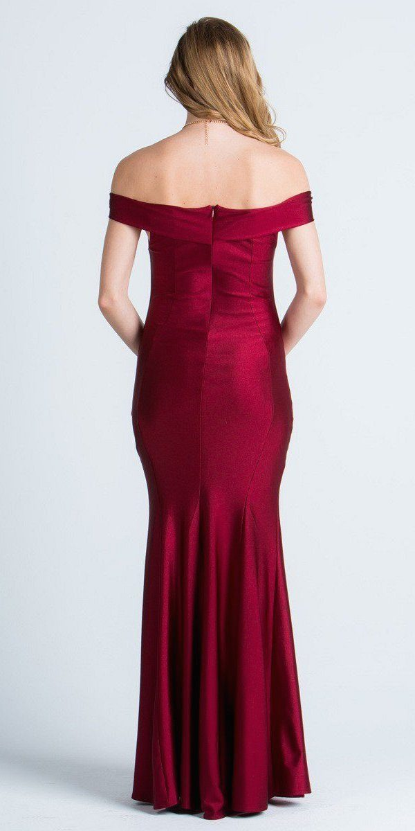 Bridesmaid dresses online at discount prices. Huge selection! Fast shipping. Get the perfect bridesmaid dress under for your special day! You can select red or pink bridesmaids dresses under affordable price.