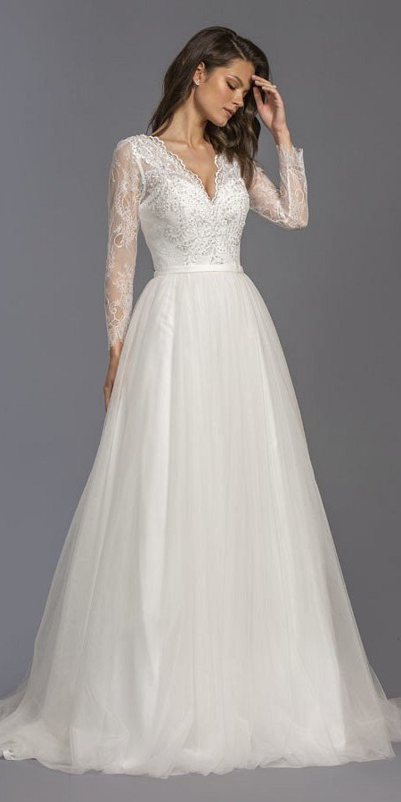 Long Sleeved Wedding Dresses.Long Sleeved Off White Long Wedding Dress V Neck