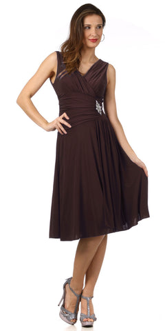 Modest Black Dress Semi Formal Chiffon Knee Length V Neck Brooch