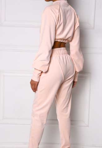 Blush Puff Crop