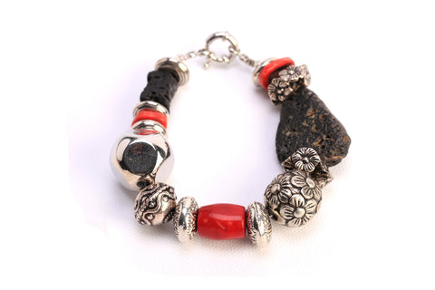Red & Black Flower Bracelet