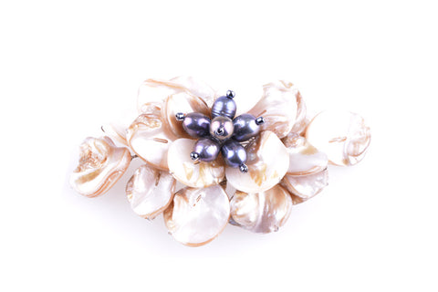Shell Large Brooch Cream Black