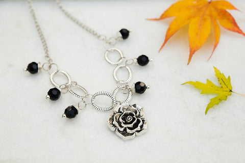 Flower and Onyx necklace