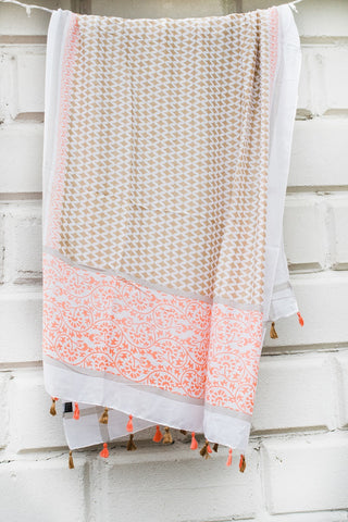 Peach/Beige Diamond Ptrn Scarf