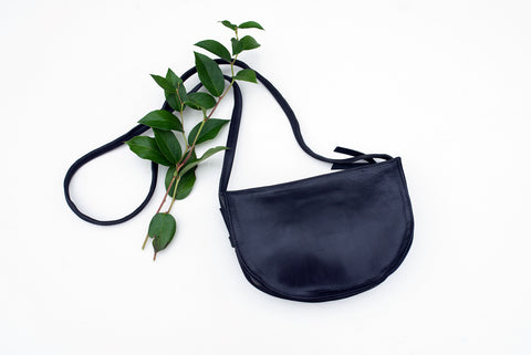 Black Hana Crossbody