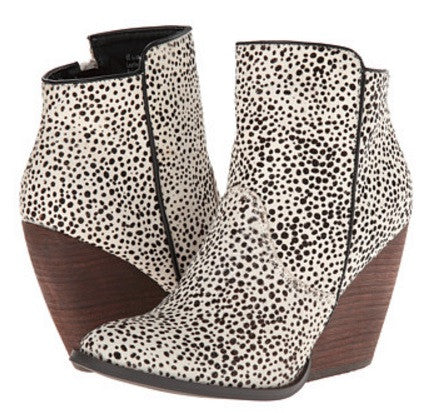 very volatile feverdream womens bootie shoe