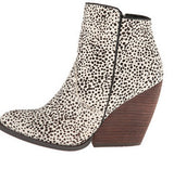 very volatile feverdream womens bootie shoe chocolate chip