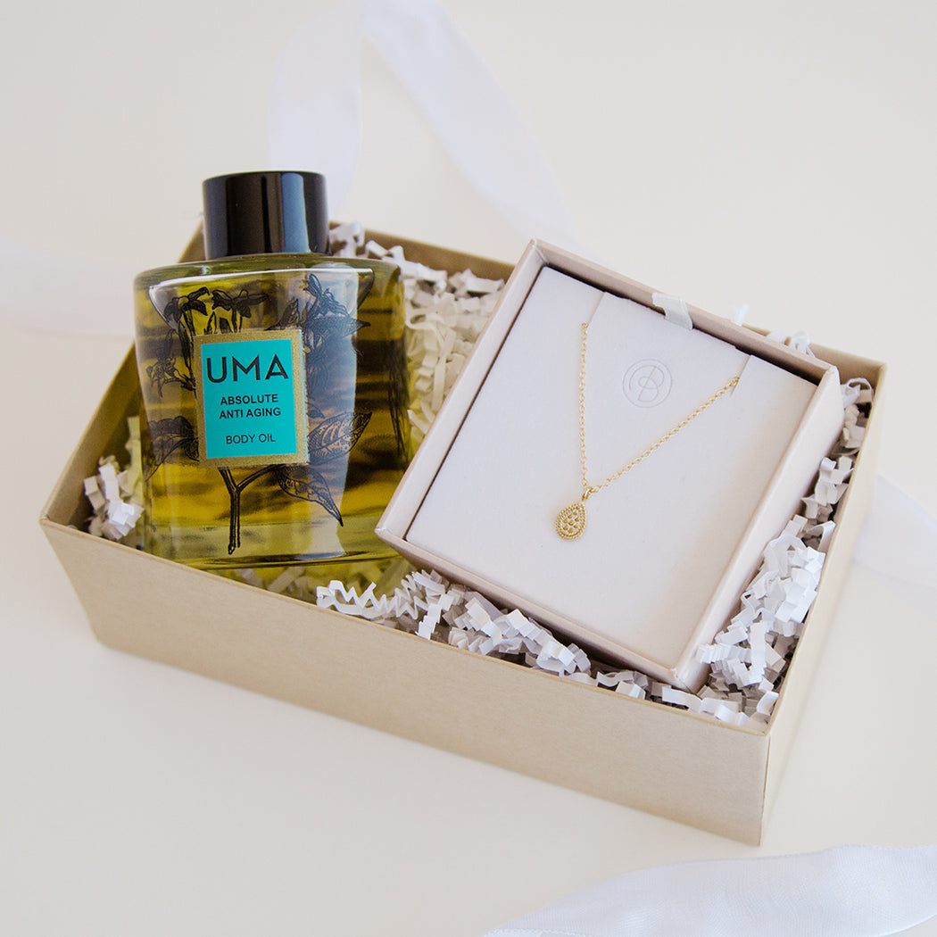 UMA x Anna Beck Body Oil + Necklace Gift Set