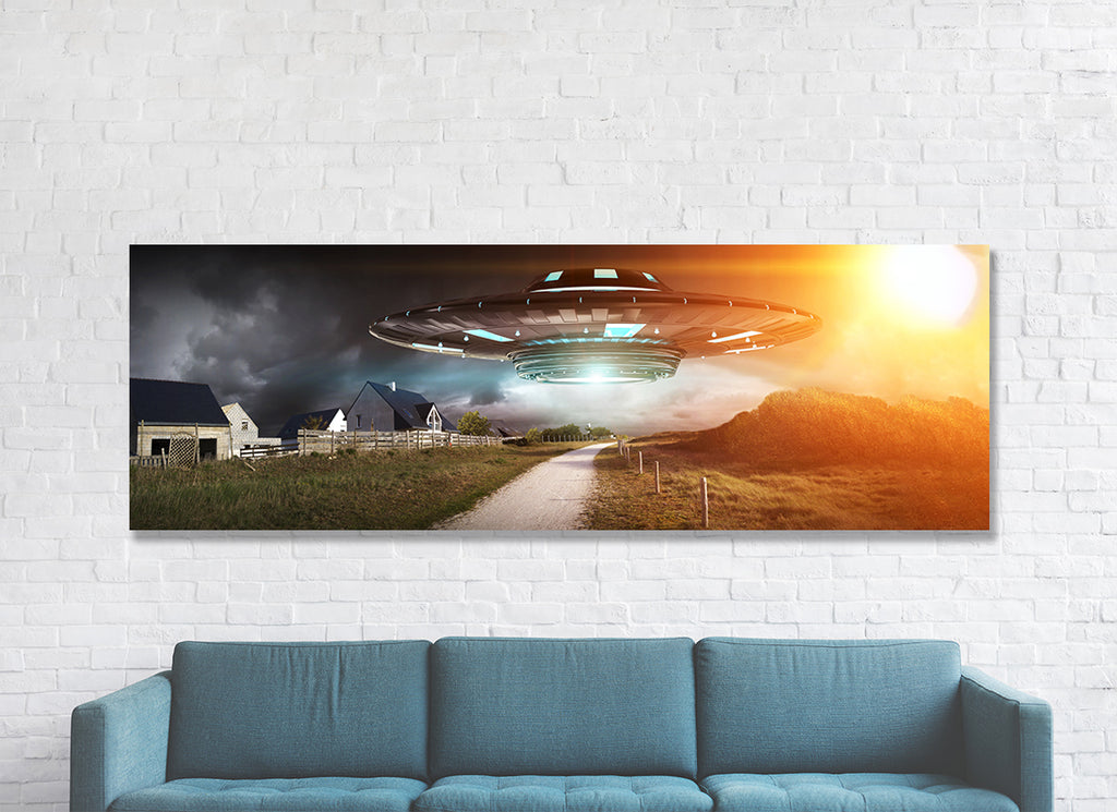 UFO Aliens Extraterrestrials Abduction Flying Saucer Framed Canvas Wall Art - Royal Crown Pro