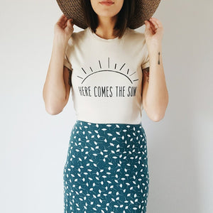 HERE COMES THE SUN RETRO TEE