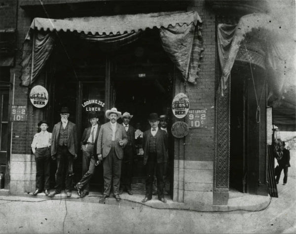 Group of men in front of the Silver Dollar Saloon in the V. E. Schwab Building on Broadway and 2nd Ave (courtesy Tennessee Virtual Archive)