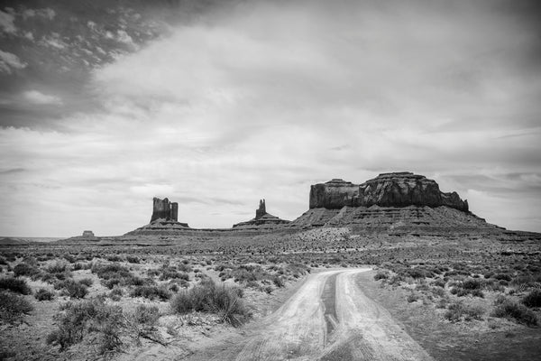 Dirt road into Monument Valley.