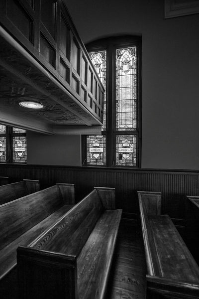 Black and white photograph of the interior of Martin Luther King's Ebenezer Baptist Church in Atlanta.