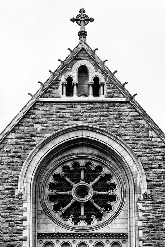 Black and white architectural photograph of the the exterior of the historic Christ Church in Nashville, Tennessee.