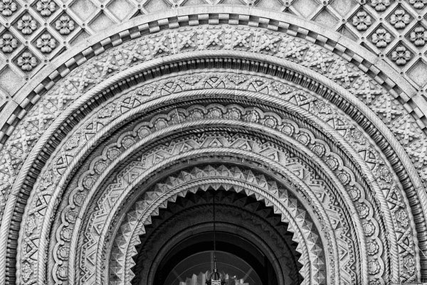 Black and white photograph of the ornate arched entrance of the Masonic Temple in downtown Philadelphia.