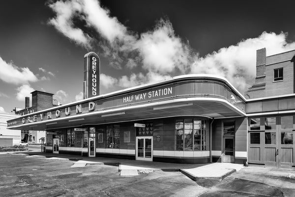 Black and white photograph of a historic 1938 Greyhound bus station that operated until 2018.