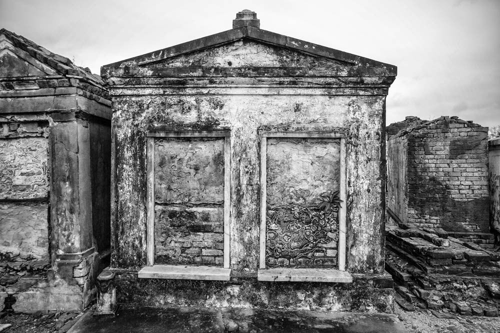 Houses of the Dead in St  Louis Cemetery No  1, New Orleans (RQ0A4799)