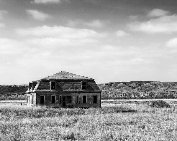 Black and white photograph of a final standing officer's quarters from 1880s-era Fort Keogh outside Miles City, Montana.