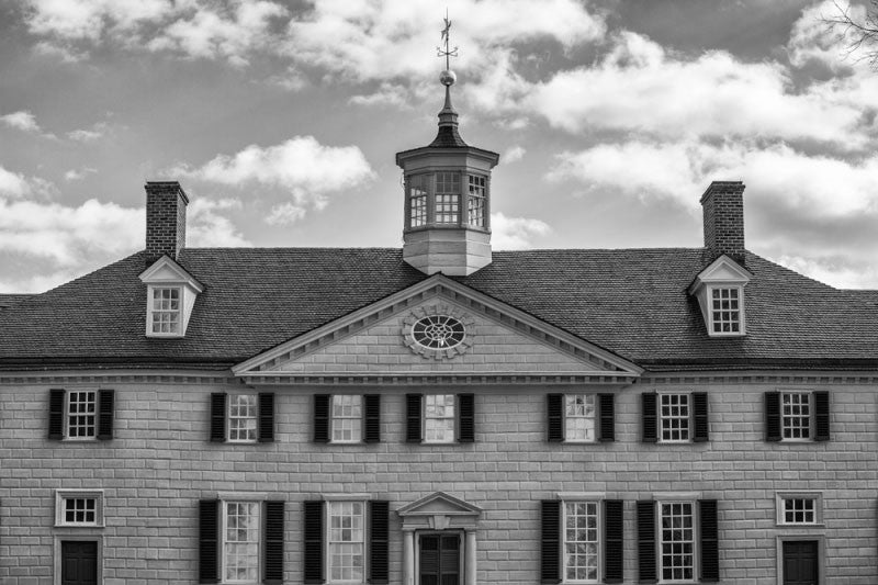 Black and white photograph of Mt. Vernon, George Washington's house in Virginia.