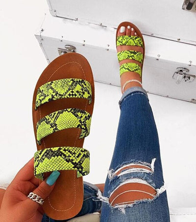Women's Casual Low Open Toe Sandals Snakeskin Printed 2020 Summer Beach Slippers Lady Retro 4 colors Shoes Slides Flat Homewear
