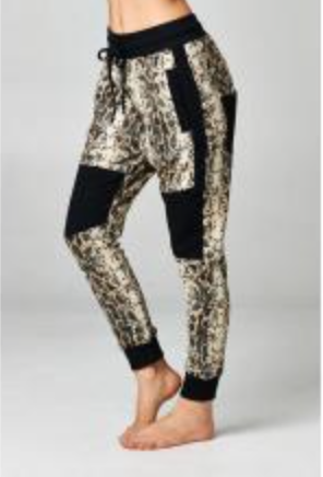 Jogger sweatpants in Snake Skin print