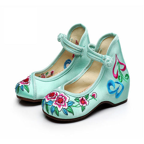 Girl Flower Flat Dancing Shoes Chinese Silk Embroidered Casual Footwear