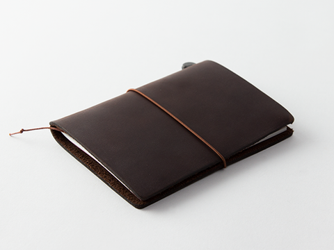 TRAVELER'S Notebook Passport Size - Brown