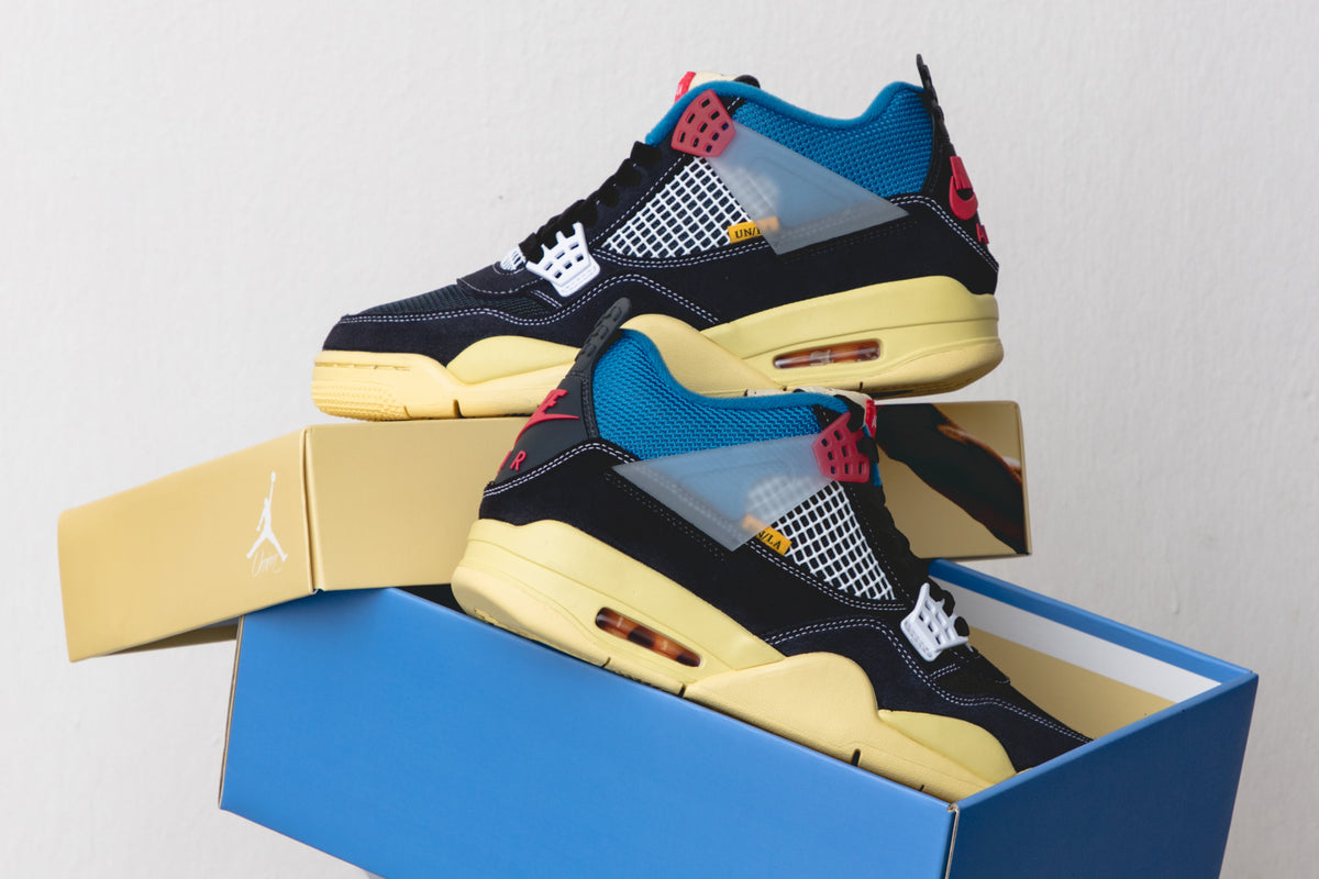 "RAFFLE: Union x Air Jordan 4 Retro SP ""Off Noir"""