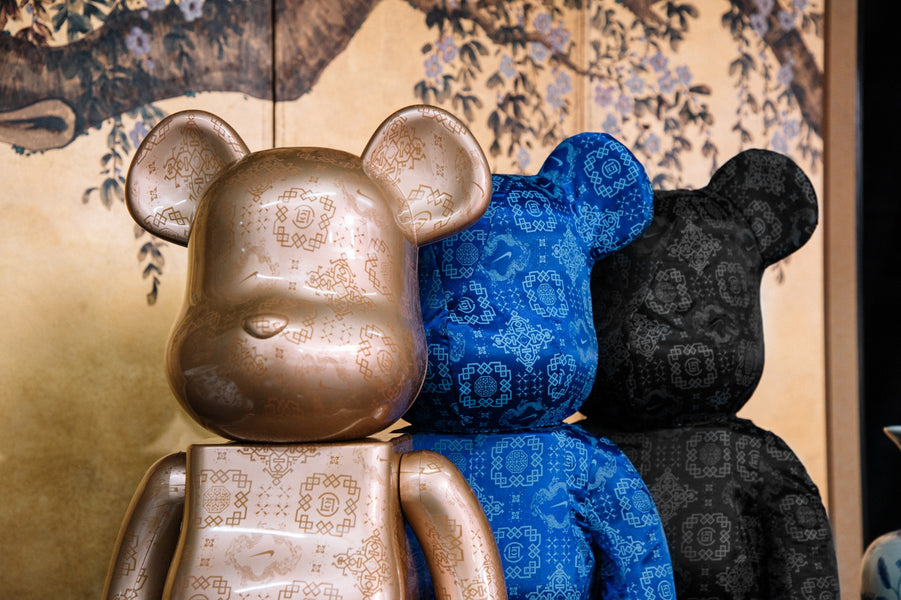 "INTERNATIONAL RELEASE: ""BLACK SILK"" 1000% BE@RBRICK"