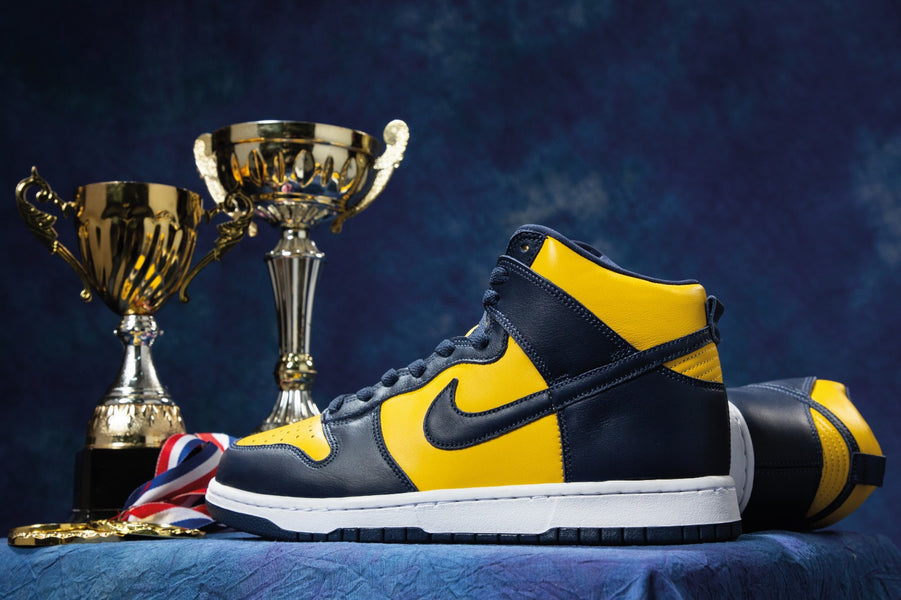 "RAFFLE: Nike Dunk High SP ""Michigan"""
