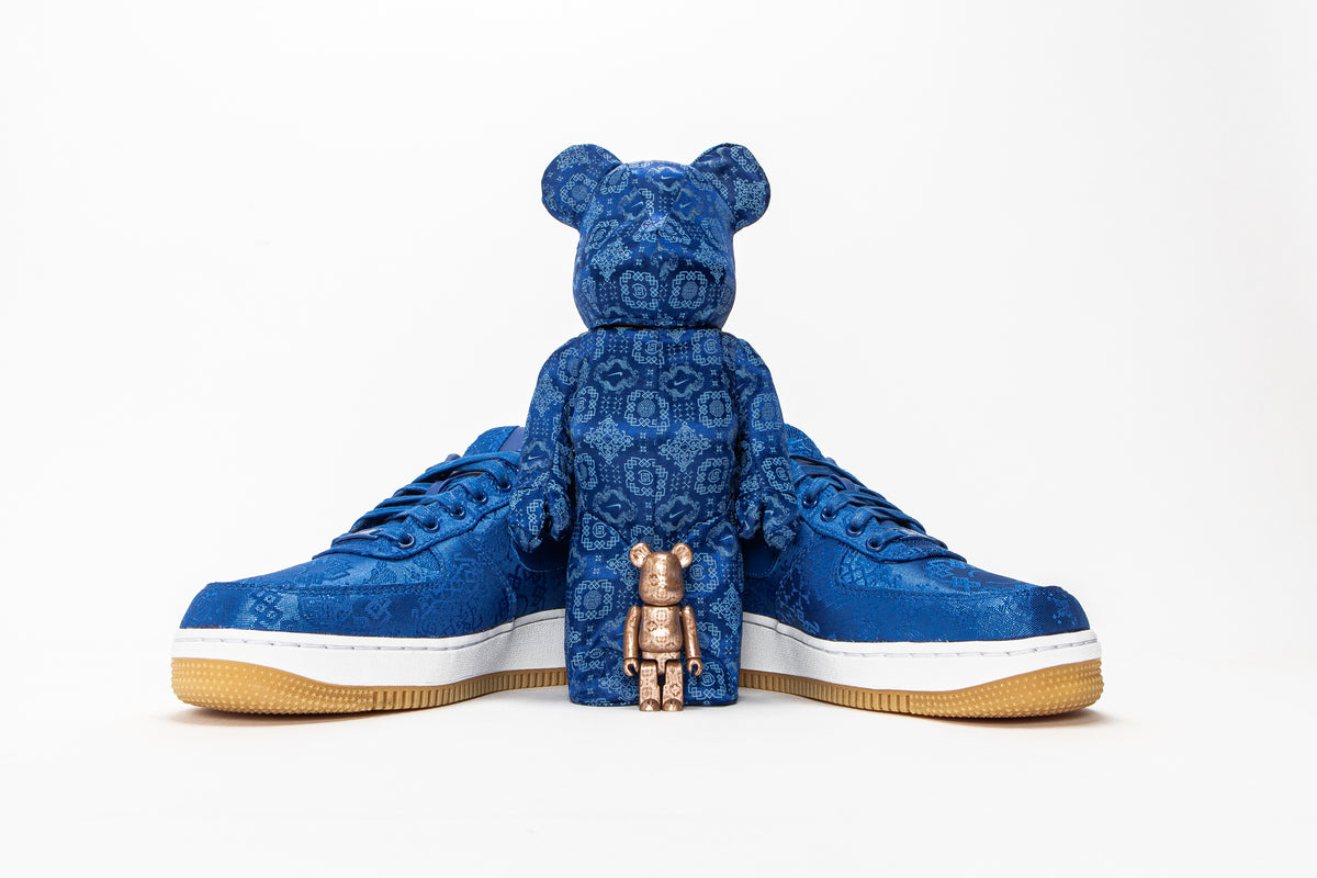 "CLOT AND NIKE CONTINUE THE ""ROYALE UNIVERSITY BLUE SILK"" STORY WITH A 400% MEDICOM TOY BE@RBRICK"