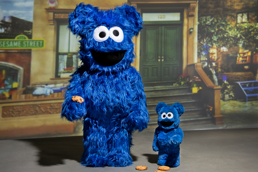 MEDICOM TOY TAPS SESAME STREET FOR A NOSTALGIC RENDITION OF THE COOKIE MONSTER!