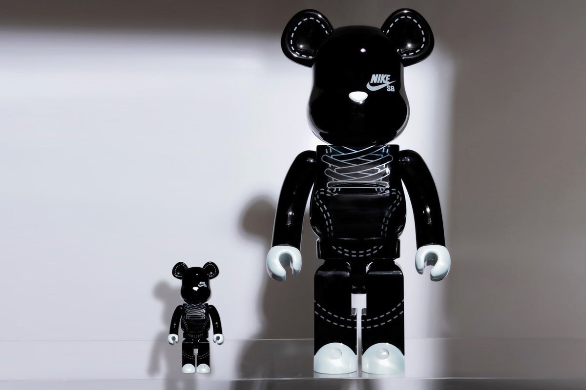RAFFLE: MEDICOM TOY x NIKE SB 400% + 100% BE@RBRICK SET
