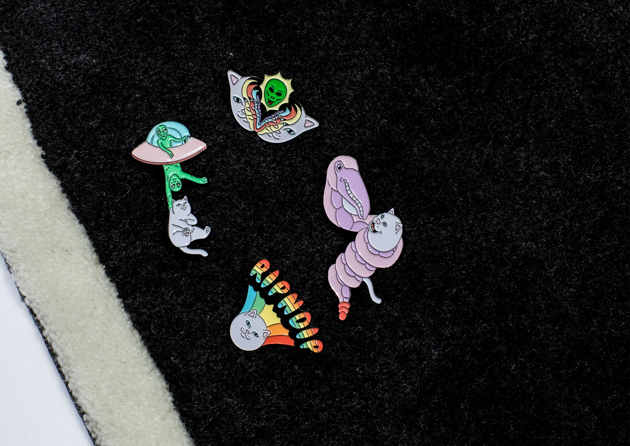 RIPNDIP FW20 pins close up