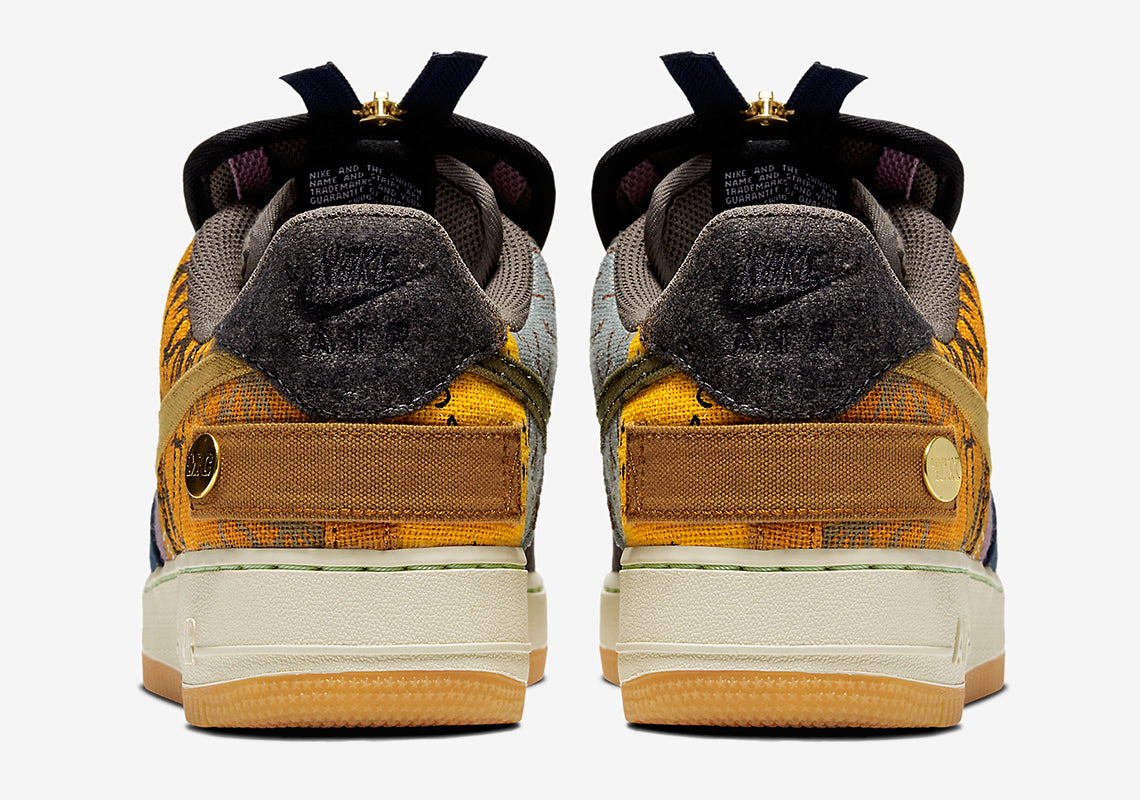 Posteridad Lustre afeitado  RAFFLE: Travis Scott x Nike Releases Brand New Air Force 1 Low