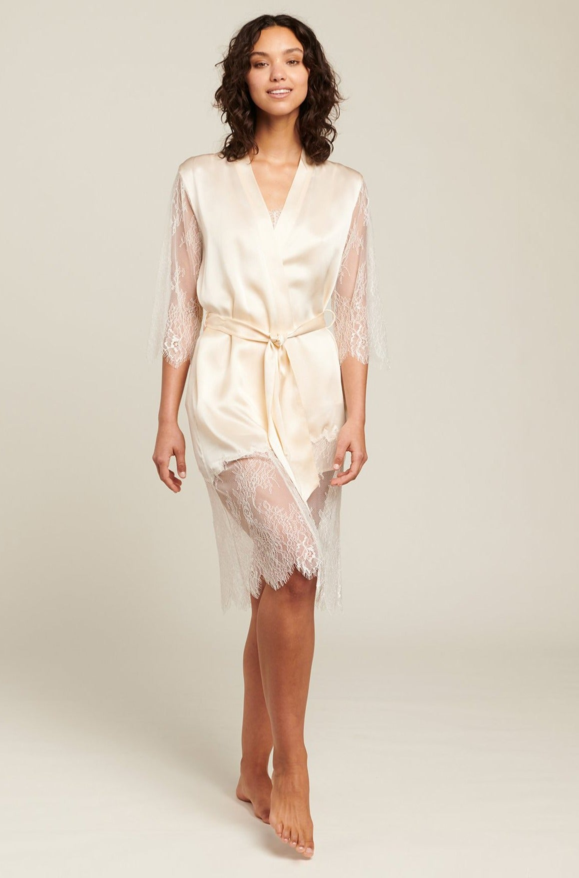 Magnolia Silk Robe With Lace