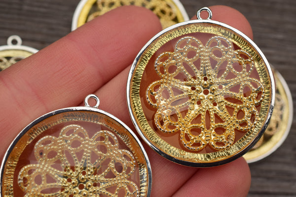 Gold-tone Filigree Set in Faceted Acrylic Connector, Snowflake - 38mm - Set of 2