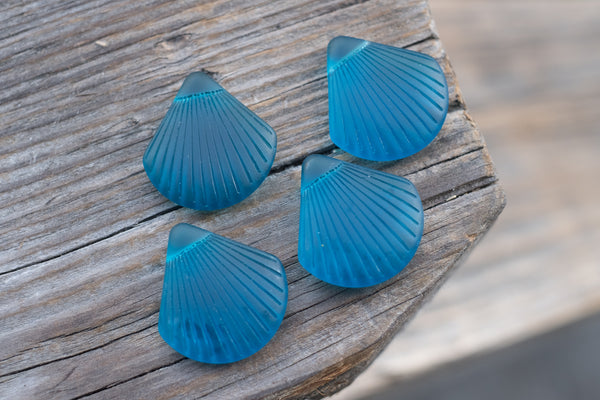 Cultured Sea Glass Shell Pendants, Teal, Top-drilled - 30x28mm - Sold Individually