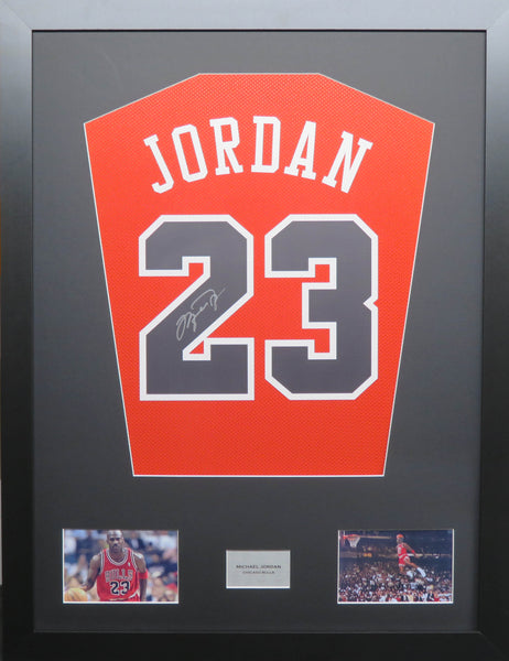 Michael Jordan Chicago Bulls Signed Jersey Display with COA